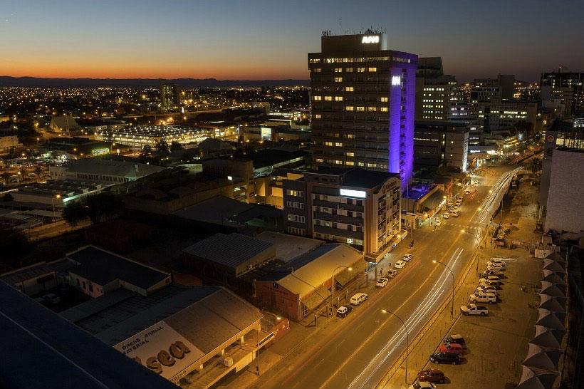 namibia-street-night